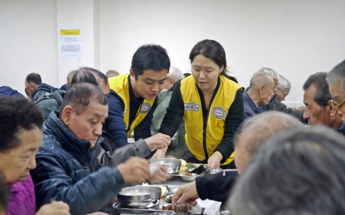 태평양과 동천, 독거노인을 위한 법률상담 및 배식봉사 (4).JPG